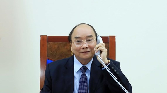Vietnamese, Philippine leaders hold phone talks