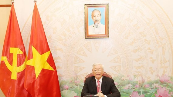 Top Vietnamese, Cambodian leaders hold phone talks