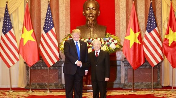 Leaders of Vietnam, US exchange congratulations on diplomatic ties