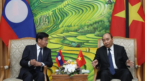 Prime Minister hosts Lao counterpart