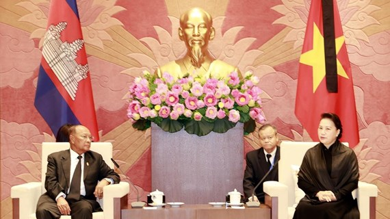 NA Chairwoman meets with Cambodian NA President