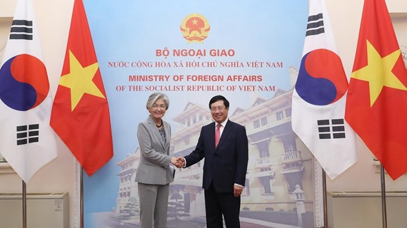 Deputy PM, FM Minh holds talks with RoK FM