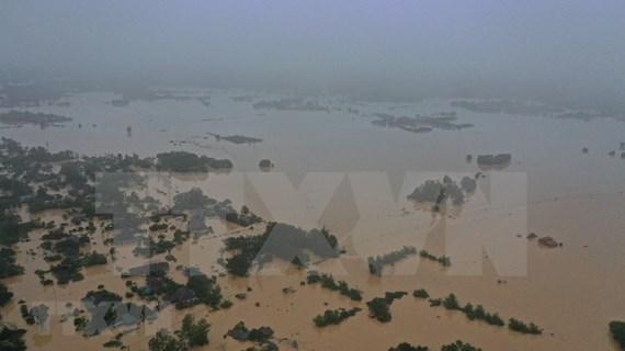 Record flooding kills 84 in central region