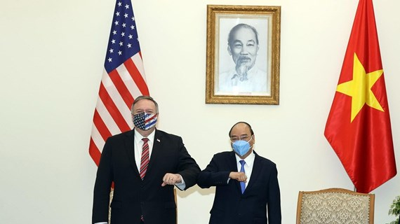PM Nguyen Xuan Phuc hosts US Secretary of State