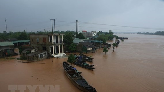 Indian Government sends aid to flood victims in central Vietnam
