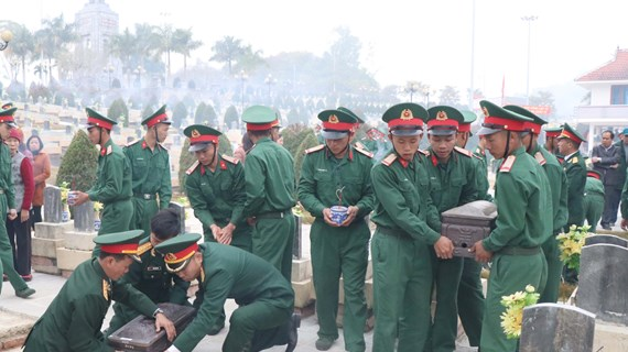 Remains of Vietnamese volunteer soldiers repatriated from Laos