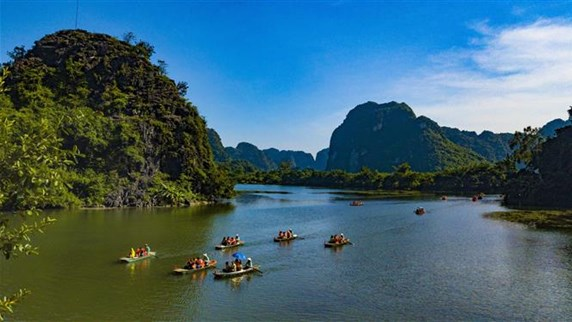 Trang An complex boasts charming fall ambience