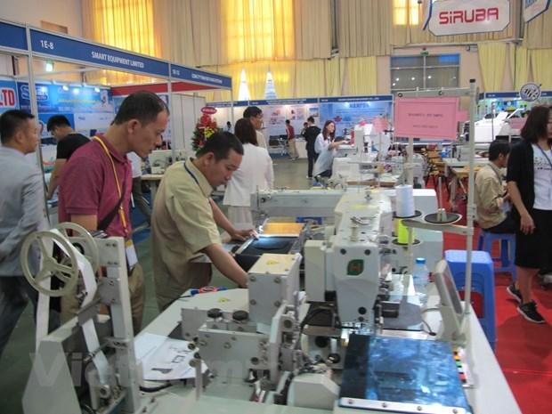 Bumper year for industry and trade: Minister Nguyen Xuan Cuong hinh anh 1