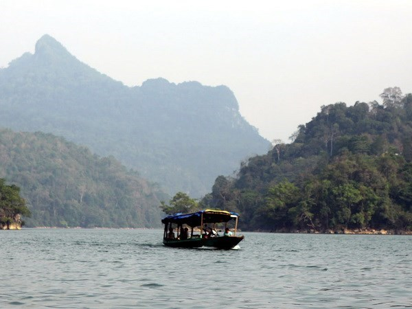 Exploring nine Ramsar sites of Vietnam hinh anh 2