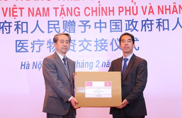 Vietnam supports China with medical supplies to fight nCoV hinh anh 1