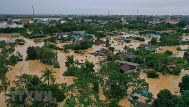 Int'l climatologists study severe storms, floods in Vietnam hinh anh 1