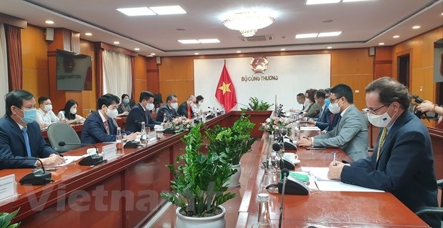 Vietnam, EU to reinforce ties in FTA implementation hinh anh 1