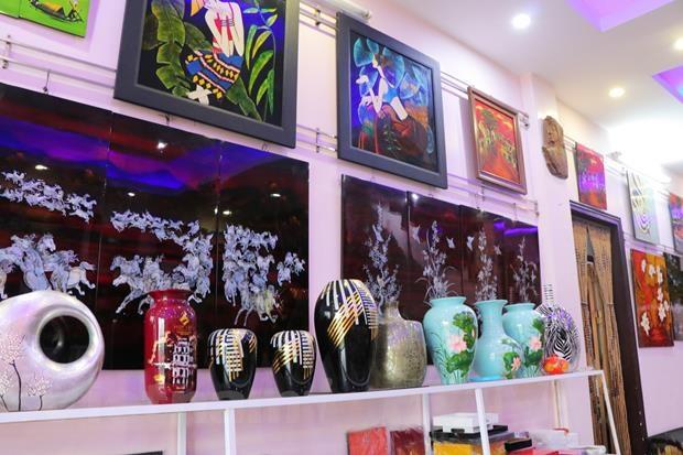 Ha Thai lacquerware village facing shortage of young hands hinh anh 3