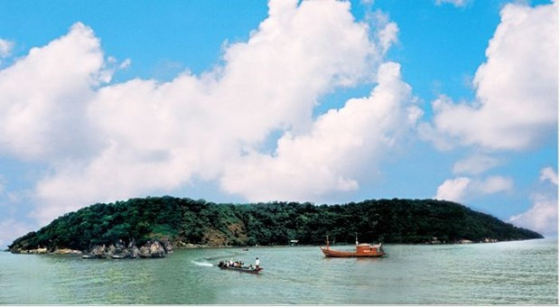 Tranquil beauty of Hon Chuoi - outpost island in southwestern sea hinh anh 1