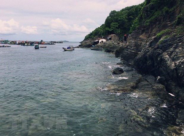 Tranquil beauty of Hon Chuoi - outpost island in southwestern sea hinh anh 2