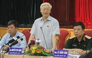 Party chief meets Hanoi constituents hinh anh 1