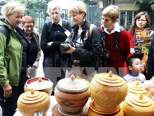 Hanoi tourism sector eyes Western Europe, Belarus tourists hinh anh 1