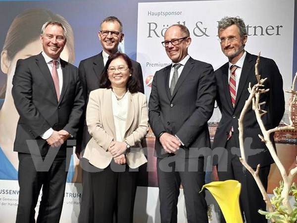 Vietnam main partner of Asia-Pacific economic forum in Bayern hinh anh 1