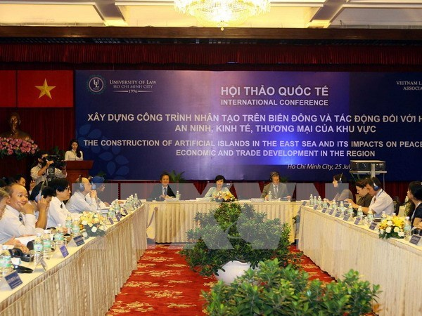 China's construction work has adverse impacts in East Sea: experts hinh anh 1