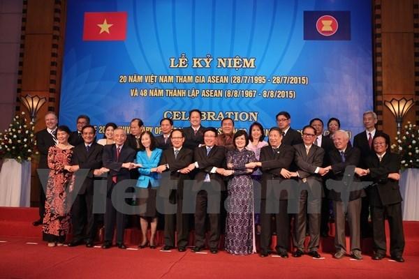 Vietnam celebrates 20-year membership with ASEAN hinh anh 1