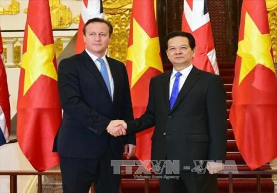 Vietnam, UK issue joint statement hinh anh 1
