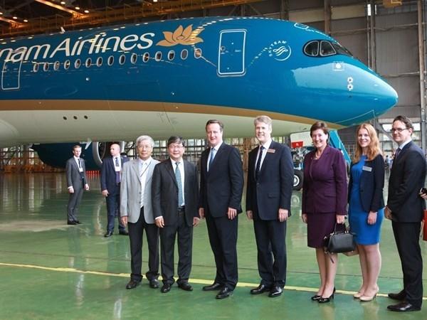 UK PM calls at Vietnam Airlines' A350 aircraft fleet hinh anh 1