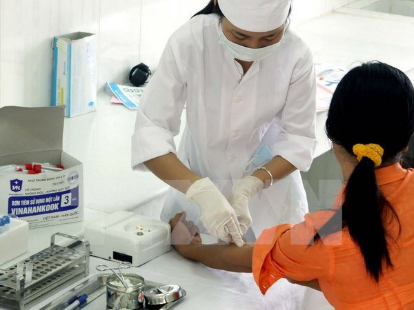 Health Ministry boosts HIV/AIDS-testing hinh anh 1