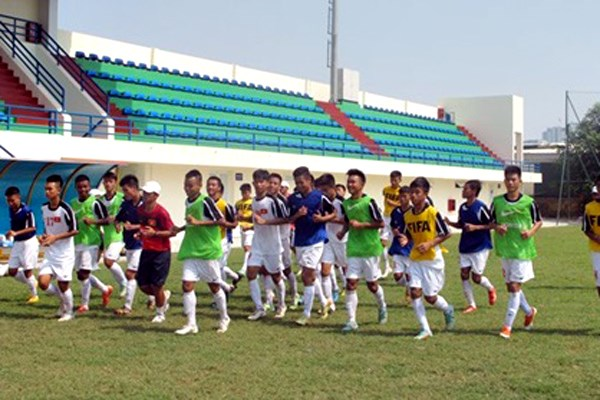 Vietnam beat Brunei at U16 football tournament hinh anh 1