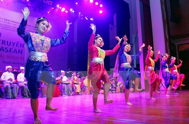 ASEAN traditional music festival opens in Thanh Hoa hinh anh 1