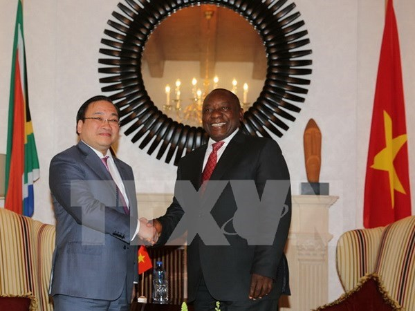 Vietnam, South Africa step up cooperation hinh anh 1