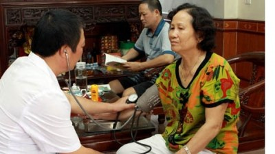 Family-doctor model brings mixed results hinh anh 1