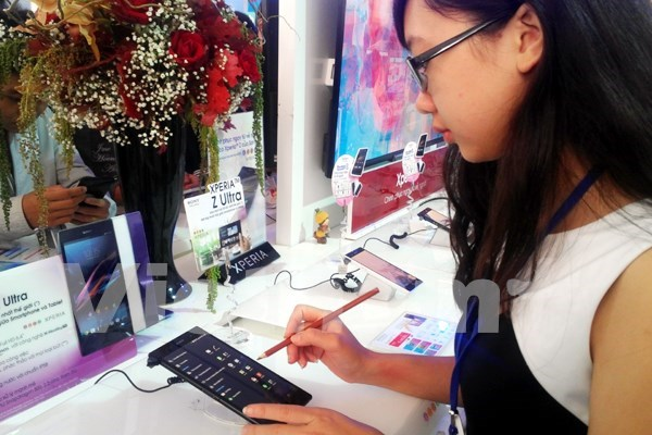 Telephone export soars in first seven months hinh anh 1