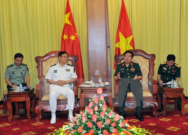 Defence minister meets Chinese army official hinh anh 1