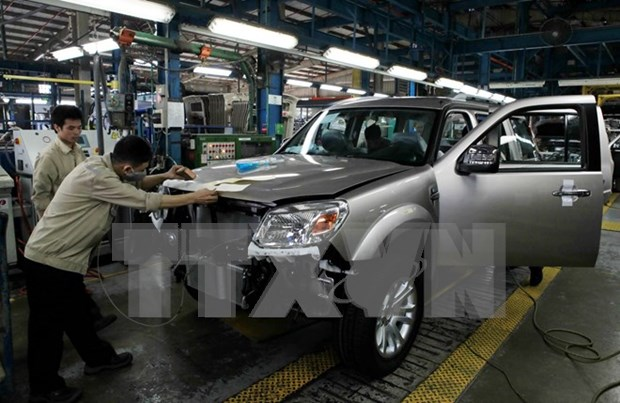 Ford Vietnam enjoys robust sales in July hinh anh 1