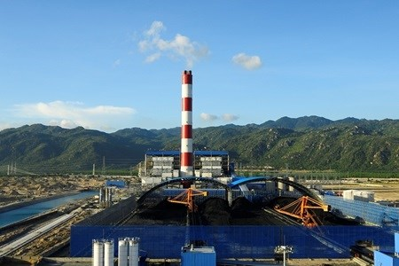 Thermal power plants urged for waste treatment hinh anh 1