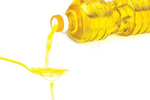 Vietnam upholds safeguard measures with imported vegetable oils hinh anh 1