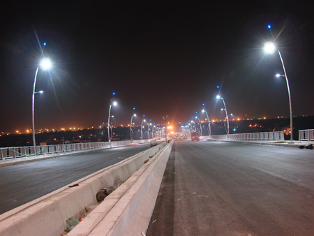 High costs blamed for low LED usage hinh anh 1