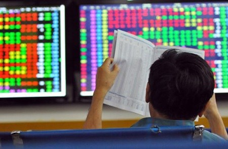 Vietnam's shares slump for third day hinh anh 1