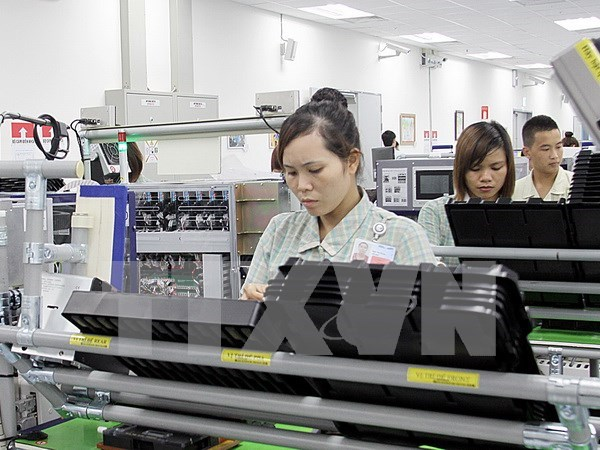 Vietnam attracts attention as investors' production base hinh anh 1