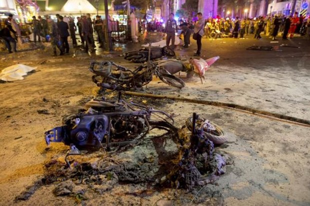 Bangkok rocked by deadly bomb blast hinh anh 1