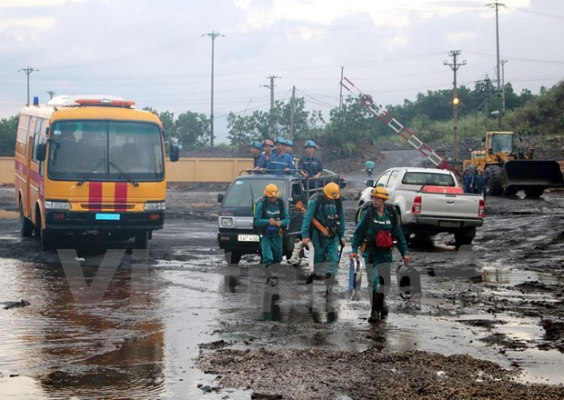 Quang Ninh: Coal mine accident kills one, injures 10 hinh anh 1