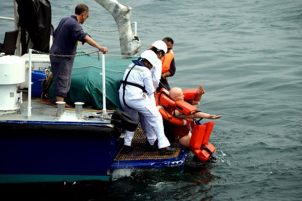 Singapore holds drill on emergency rescue at sea hinh anh 1