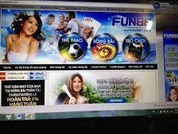HCM City opens trial on huge online gambling case hinh anh 1
