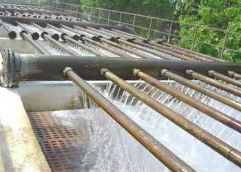Hanoi to build new Red River-based water plant hinh anh 1