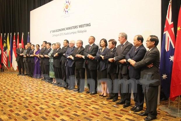 East Asia meeting focuses on regional economic development hinh anh 1