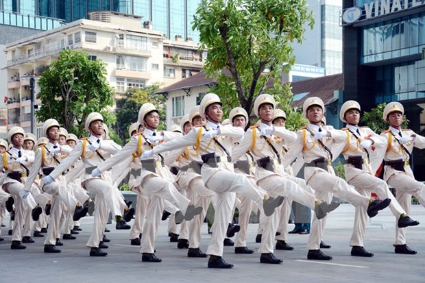 Overseas Vietnamese return home to celebrate National Day hinh anh 1