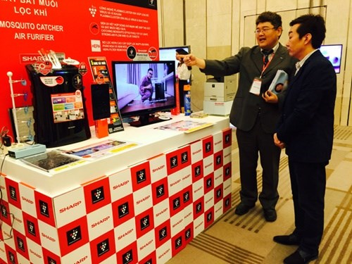 Sharp rolls out latest technology and products hinh anh 1