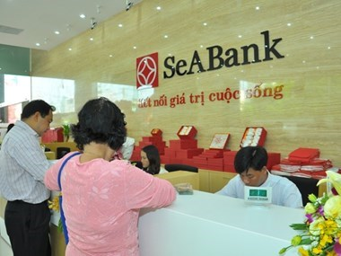 SeABank wins UK's dual finance awards for fourth time hinh anh 1