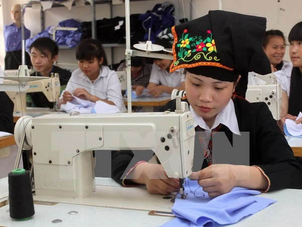 Local residents in Can Tho receive vocational training hinh anh 1