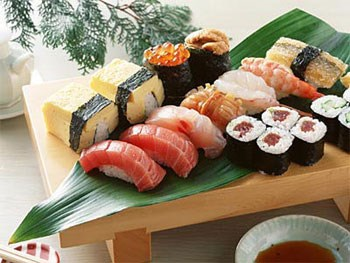 Japanese culture, cuisine, art festival opens hinh anh 1